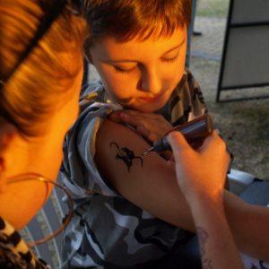 malowanie tatuaży dla dzieci
